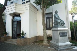 歴史と伝統ある学校のイメージ